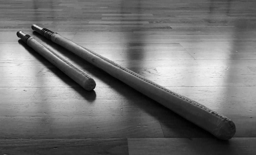 Fukurō-Shinai Daishō (Schwerterpaar), welches von Kamiizumi Nobutsuna, dem Begründer der Shinkage-Ryū Hyōhō, entwickelt wurde um im Vollkontakt zu kämpfen und um Taryū-Jiai zu praktizieren. Im Gegensatz zu Shiai, in welchen mit Bokutō gekämpft wurde, reduzierte der Einsatz des Fukurō-Shinai das Risiko schwer verletzt zu werden erheblich. Daher wurde es bald schon von vielen anderen Ryūha übernommen für deren Shiai-Training und Duelle.